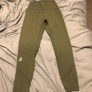 "Alainah lll sleek legging 23"" Army green small"
